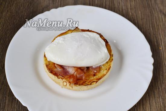 Выкладываем яйцо