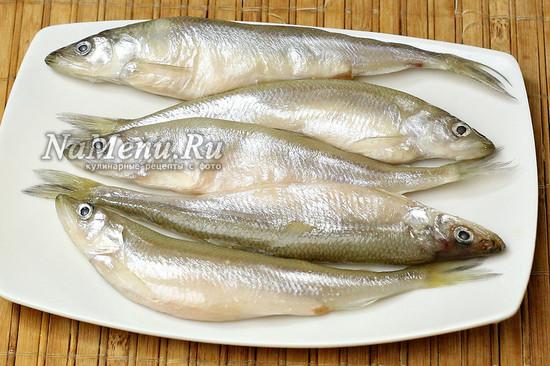 разморозили рыбу