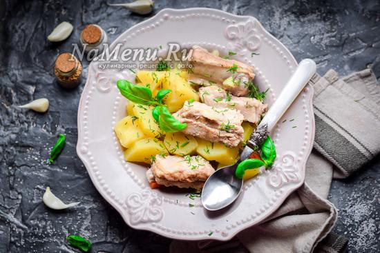 тушеные ребрышки с картошкой
