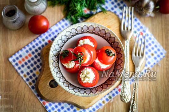 фаршированные брынзой помидоры