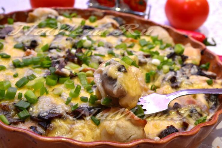 Пельмени, запеченные с сыром и грибами
