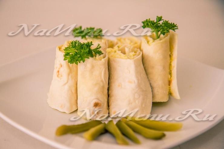 Закусочный рулет с тунцом – кулинарный рецепт