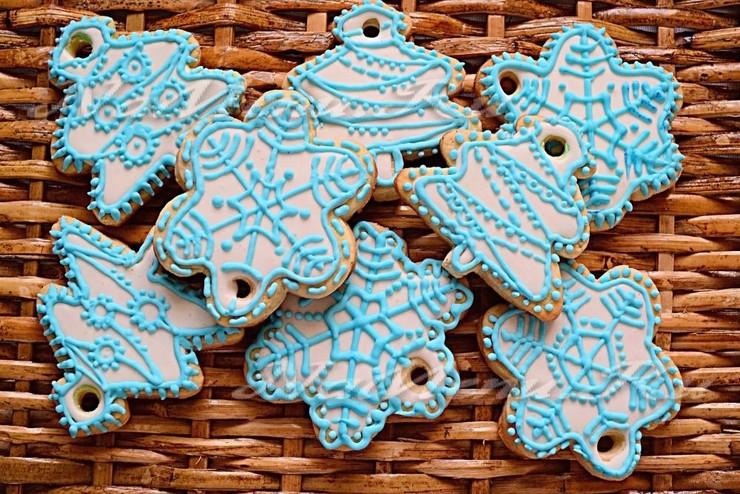 Новогоднее печенье с глазурью «Снежинки и Елочки»