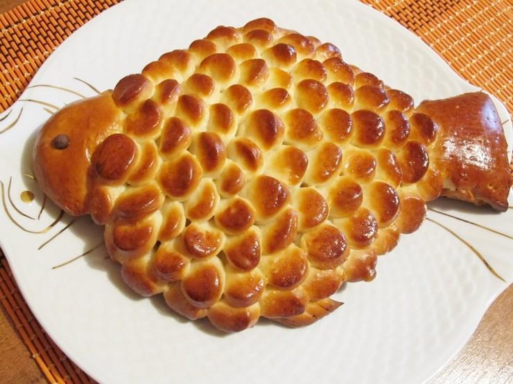 Пирог с рыбой и рисом из дрожжевого теста