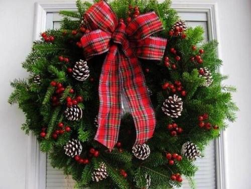 5a3025c5426ba Как сделать новогодний рождественский венок на дверь своими руками: идеи, мастер класс, фото. Как купить новогодний венок в интернет магазине Алиэкспресс?