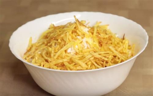 Гнездо глухаря - салат: рецепт с фото пошагово классический (в перемешку, слоями, все варианты)