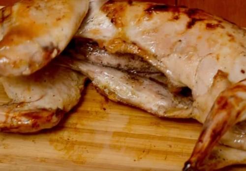 Как приготовить кролика в духовке, чтобы мясо было мягким и сочным: рецепты с фото пошагово
